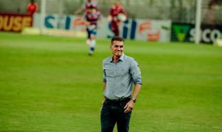 Fortaleza - Ce, Brasil, 02-12-2020: Wagner Mancini, técnico do Corinthians. Fortaleza 0 x 0 Corinthians, Campeonato Brasileiro da Série A - Estádio Castelão. (Foto: Júlio Caesar/ O Povo)