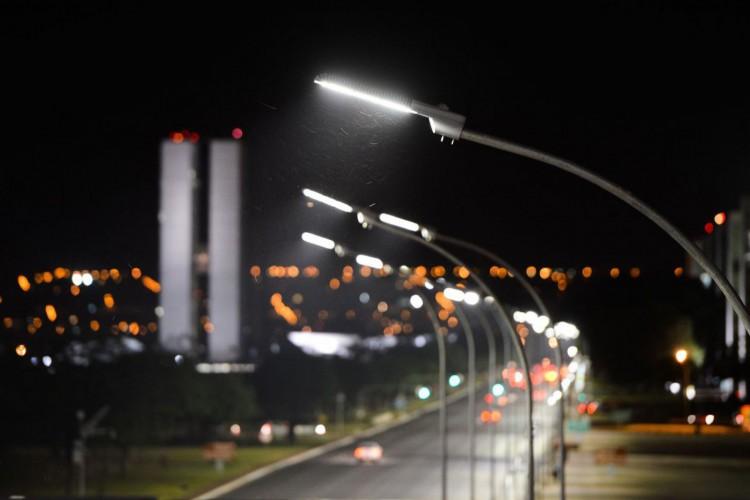 Grupo Neoenergia vence leilão da CEB com ágio de 76,63% (Foto: )