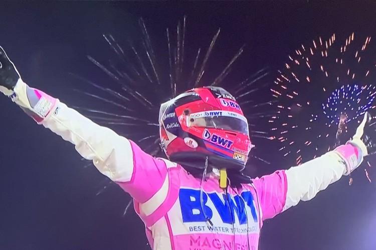 Pérez conquistou a primeira vitória em dez anos de carreira  (Foto: Twitter/RacingPoint/Reprodução)