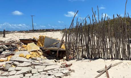 CASAS demolidas na comunidade Tabubinha, em Morro Branco