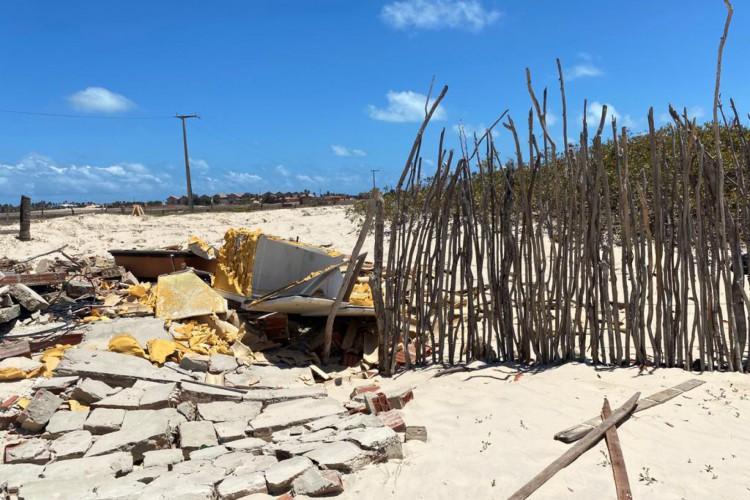Estragos na comunidade Tabubinha, em Morro Branco, cidade de Beberibe (Foto: DEFENSORIA PÚBLICA DO CEARÁ/DIVULGAÇÃO)