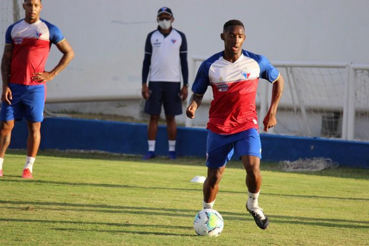 Atacante Yuri César durante treino do Fortaleza no Centro de Excelência Alcides Santos, no Pici (Foto: Bruno Oliveira/Fortaleza EC)