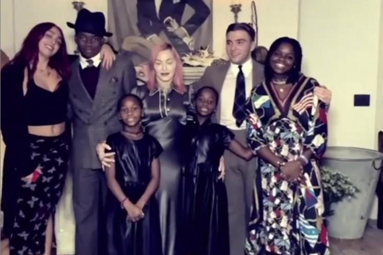 Madonna é discreta sobre sua família nas suas redes sociais (Foto: Reprodução/Instagram/Madonna)