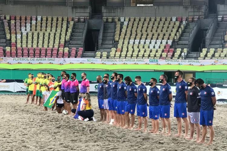 Brasil vence França por 5 a 3 no Mundial de Futebol de Areia Raiz (Foto: )