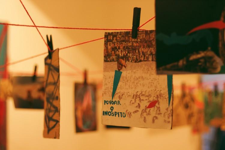 Formação visa reunir artistas de vários campos para conversas sobre história, memória, processos artísticos e anticolonialidade. Encontros acontecerão pela plataforma do Google Meet (Foto: Divulgação/Casamata)