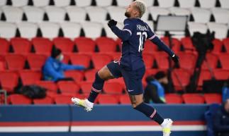 Neymar tem contrato com o PSG até a metade de 2020, mas o desejo do clube francês é renovar o vínculo atual