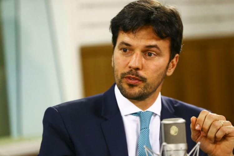 O ministro das Comunicações, Fábio Faria, participa do programa Voz do Brasil. (Foto: Marcelo Camargo/Agência Brasil)