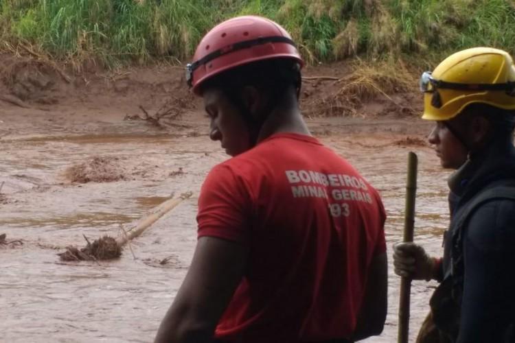 A tragédia causada pelo rompimento da barragem da Mina Córrego do Feijão, em Brumadinho, a 57 quilômetros de Belo Horizonte, completa hoje (4) 11 dias de buscas. (Foto: Divulgação Corpo de Bombeiros de Minas Gerais)