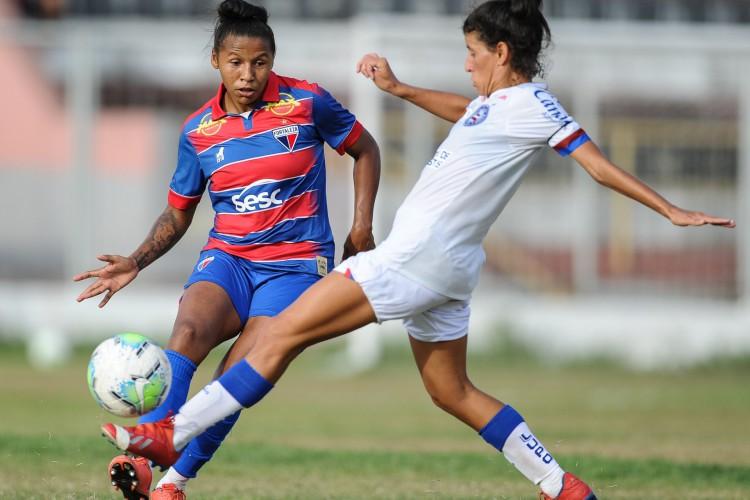 Futebol feminino: Fortaleza empatou sem gols com o Bahia na partida de ida do Brasileirão Feminino A-2 2020.  (Foto: SAMUEL ANDRADE)