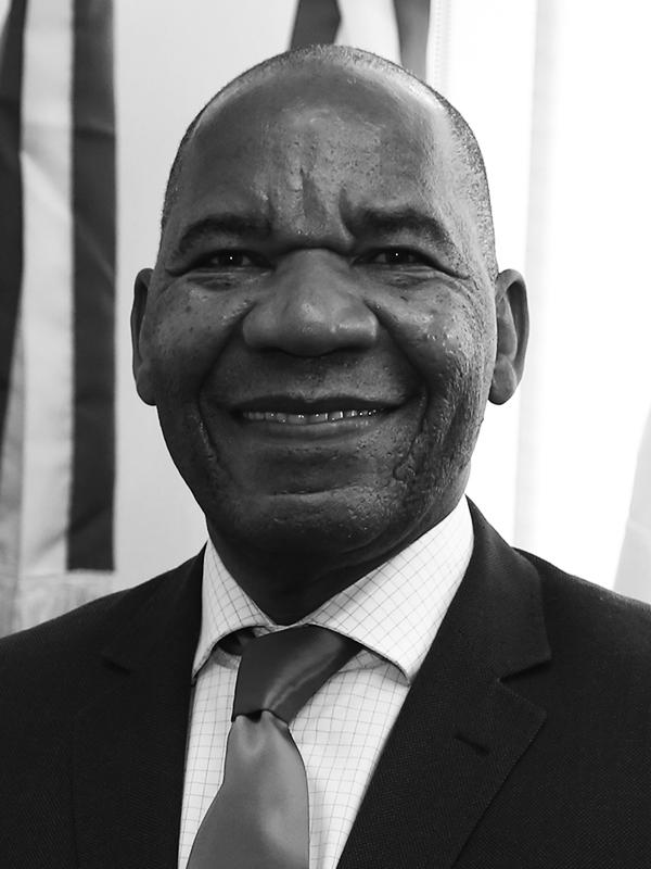 José Vicente  Advogado, sociólogo, professor doutor, reitor da Universidade Zumbi dos Palmares e Líder do Movimento AR