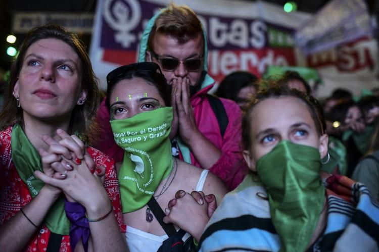A Câmara dos Deputados da Argentina aprovou em janeiro de 2021 um projeto de lei para legalizar o aborto.(Foto: RONALDO SCHEMIDT / AFP)