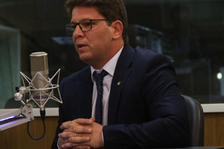O secretário de Cultura, Mario Frias, participa do programa A Voz do Brasil (Foto: Marcello Casal JrAgência Brasil)