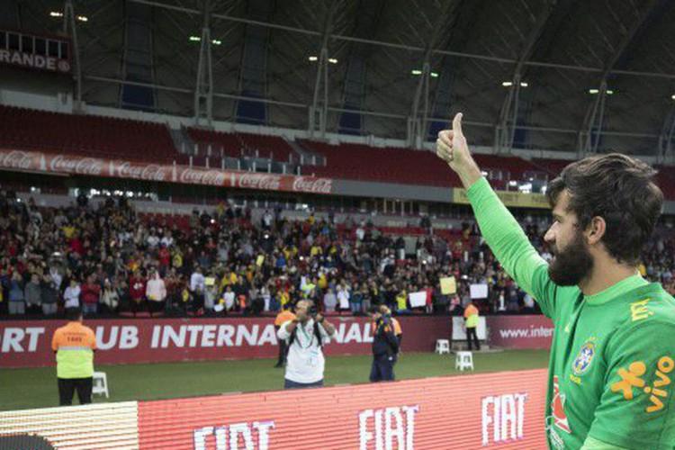 Alisson e gol de Arrascaeta pelo Flamengo concorrem ao Fifa The Best (Foto: )