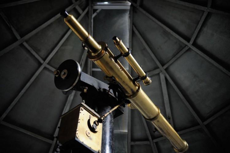 O Observatório do Valongo, fundado em 1881 e atual sede do curso de Astronomia da UFRJ, está aberto para visitas. A Luneta Pazos, de 1876, é o mais antigo telescópio funcionando no Brasil (Foto: Fernando Frazão/Agência Brasil)