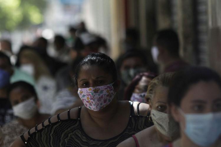 Brasil acumula 181,4 mil mortes e 6,9 milhões de casos de covid-19 (Foto: )
