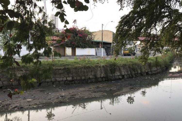 Saneamento básico em Maceió (Foto: Carolina Gonçalves/Agência Brasil)