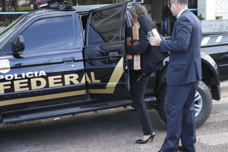A Polícia Federal deflagrou hoje (29) operação para investigar esquema de pagamento de propina a diretores e ex-diretores do Banco de Brasília (BRB) em troca de investimentos em empreendimentos. (Foto: José Cruz/Agência Brasil)