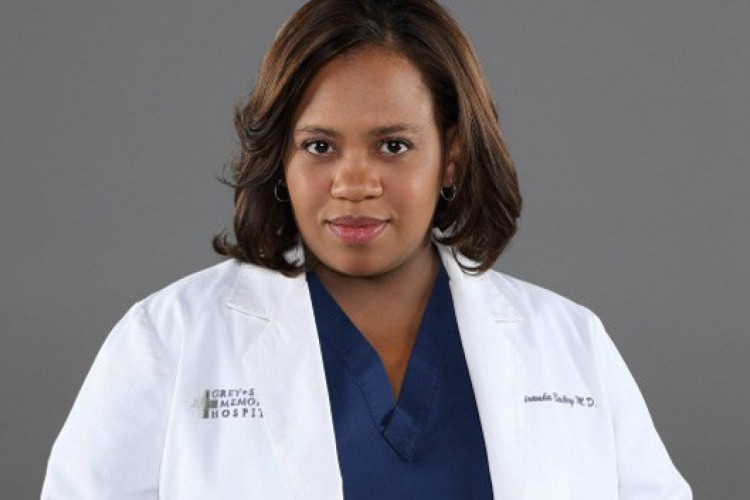 Atriz Chandra Wilson interpreta a personagem Miranda Bailey desde o início da série Grey's Anatomy, em 2006 (Foto: Divulgação/ ABC)