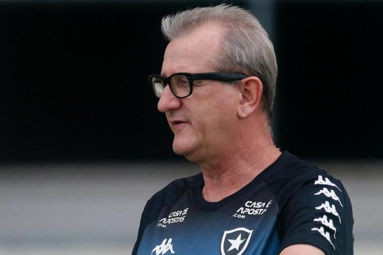 Renê Weber foi auxiliar técnico do Botafogo em 2020 (Foto: Vitor Silva/BFR)