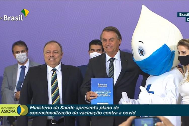Bolsonaro durante a divulgação do plano de vacinação contra Covid-19 no Brasil (Foto: Reprodução)