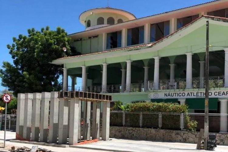 No entendimento do Movimento Náutico Urgente, a construção infringe a Lei de Proteção do Patrimônio Histórico de Fortaleza. (Foto: Arquivo pessoal)