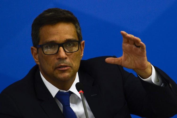 O  presidente do Banco Central, Roberto Campos Neto falam à imprensa no Palácio do Planalto, sobre as ações de enfrentamento ao covid-19 no país (Foto: Marcello Casal JrAgência Brasil)
