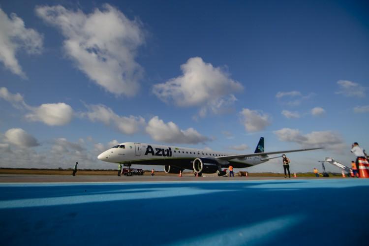 Aeroporto de Aracati teve voo inaugural com bastismo da aeronave da Azul Linhas Aéreas, em dezembro de 2020. (Foto: Aurelio Alves)