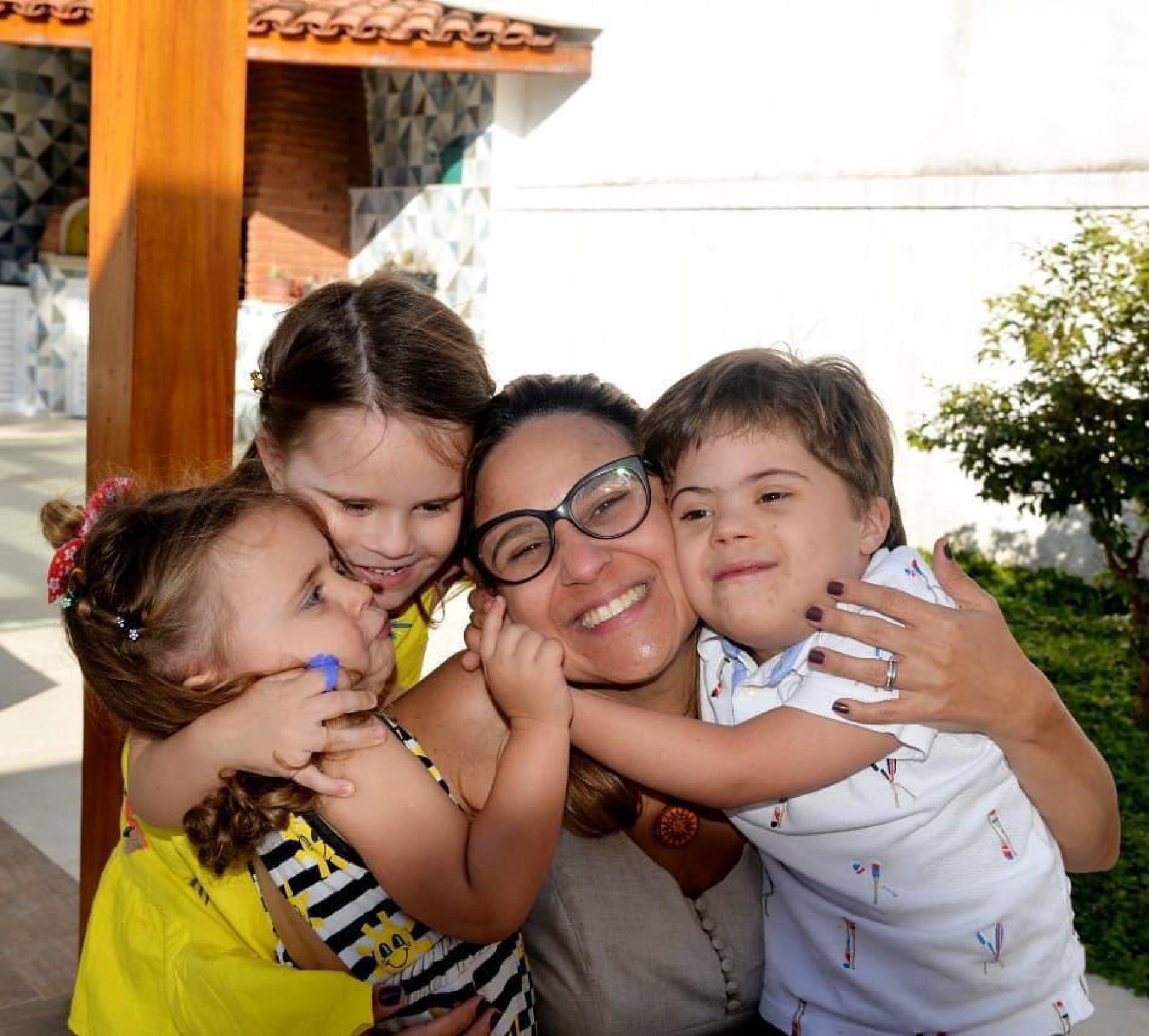 Thaissa Alvarenga, Francisco, Maria Antônia e Maria Clara