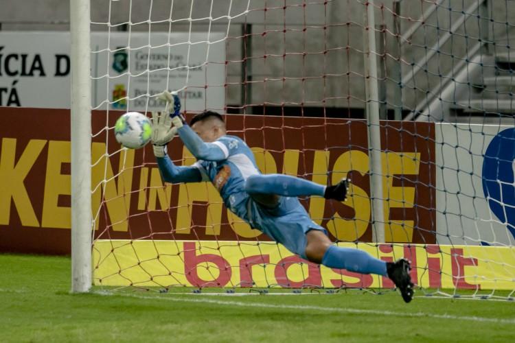 Felipe Alves, goleiro do Fortaleza, será titular na partida da Copa do Brasil 2021.  (Foto: Aurelio Alves)