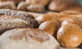 A receita de pão caseiro foi uma das mais procuradas na internet durante a quarentena.