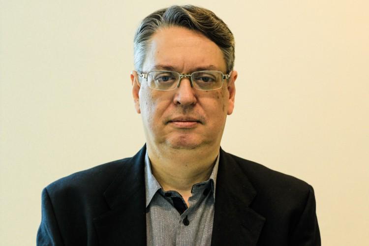 FORTALEZA, 16-12-2020: Fotos do economista Celio Fernando para o especial de Ano Novo/ Perspectivas. (foto: Bárbara Moira) (Foto: Barbara Moira)