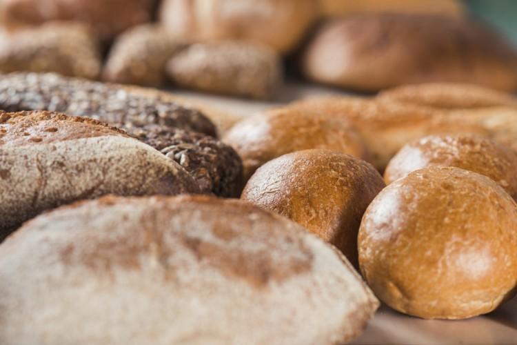 A receita de pão caseiro foi uma das mais procuradas na internet durante a quarentena.  (Foto: (Foto: Reprodução/ Freepik))