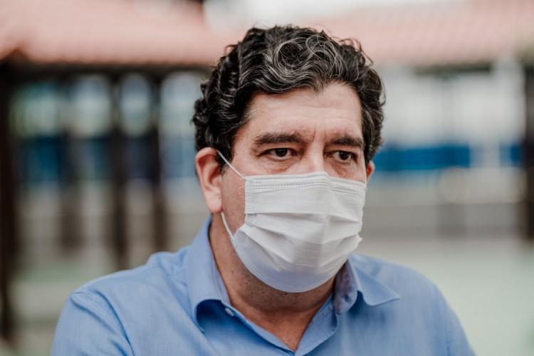 Dr. Cabeto comentou o cenário do novo coronavírus no Ceará nesta sexta-feira, 8 de janeiro (Foto: JÚLIO CAESAR)