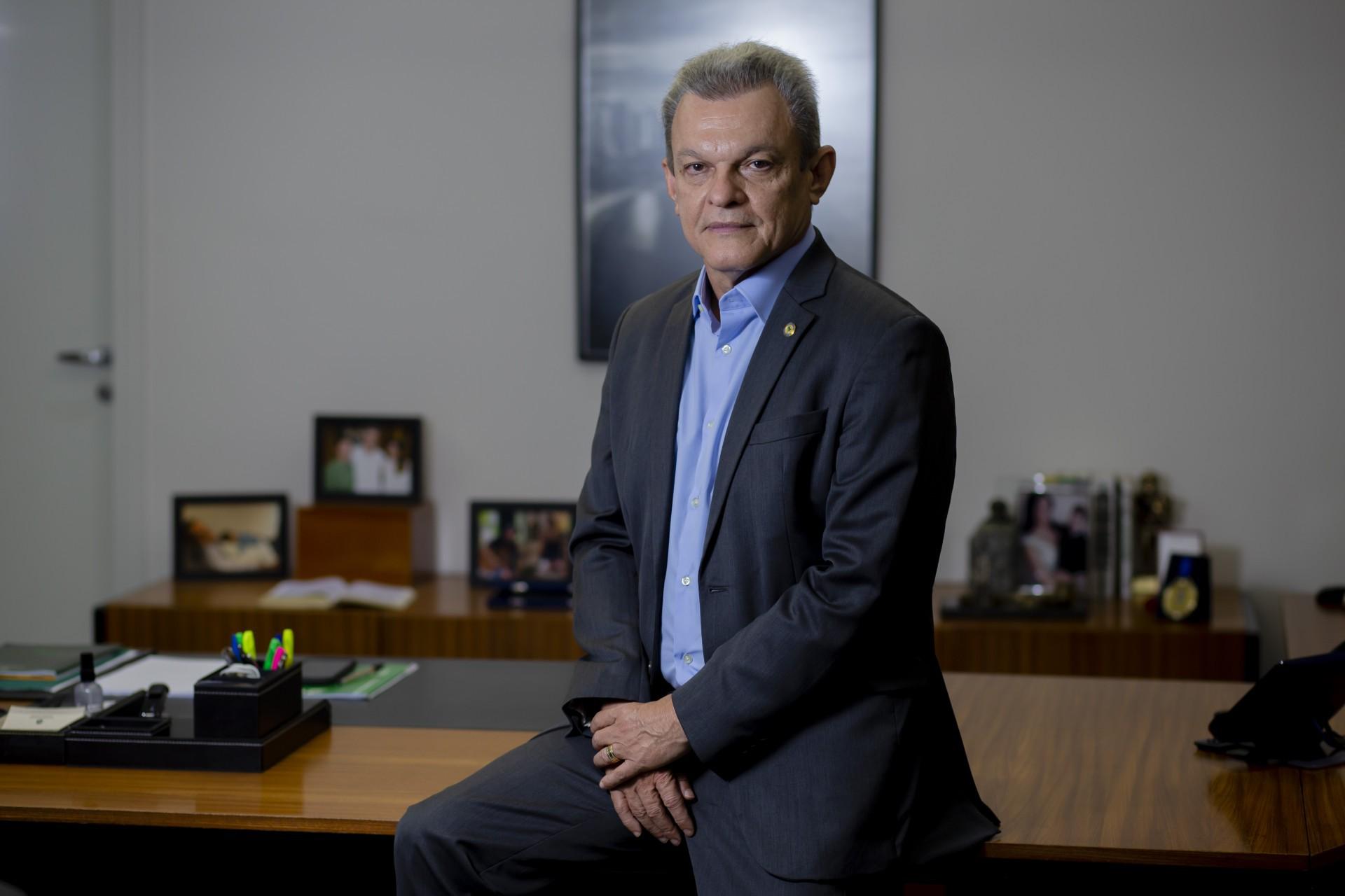 Sarto Nogueira (PDT) se cerca de cuidados na formação da equipe às vésperas da posse