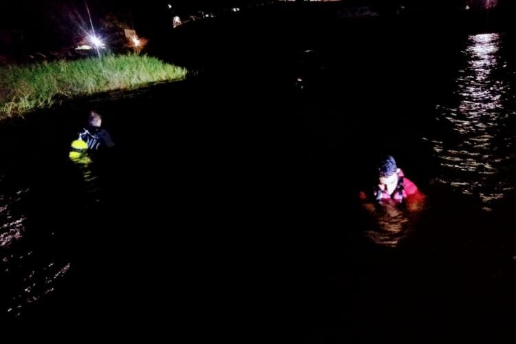 Homem morreu afogado na tarde desta sexta-feira de Natal no açude de Forquilha. Corpo foi encontrado após cerca de 4h do desaparecimento da vítima (Foto: Corpo de Bombeiros)