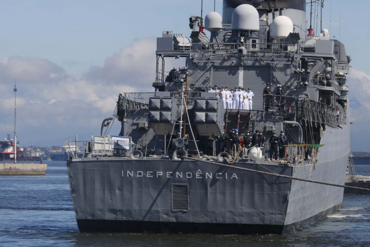 A fragata Independência(F44) retorna ao Brasil, na Base Naval do Rio de Janeiro, após concluir missão de paz na Força-Tarefa Marítima(FTM) da UNIFIL, no Líbano. (Foto: Tânia Rêgo/Agência Brasil)