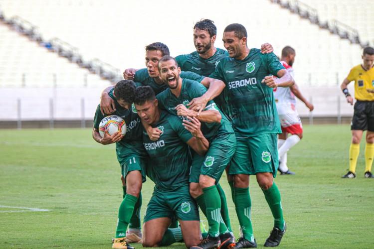 Além dos jogos decisivos da Série D, Floresta vai jogar a Fares Lopes (Foto: Ronaldo Oliveira/Floresta EC)