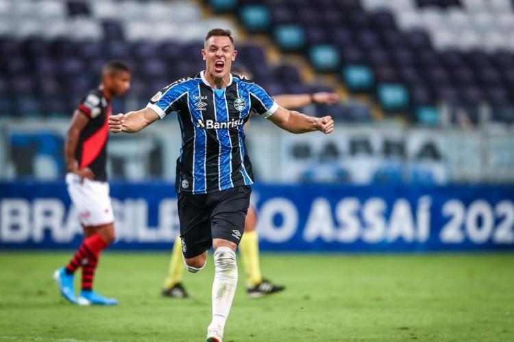 Brasileiro: Grêmio vence Atlético-GO em Porto Alegre (Foto: )