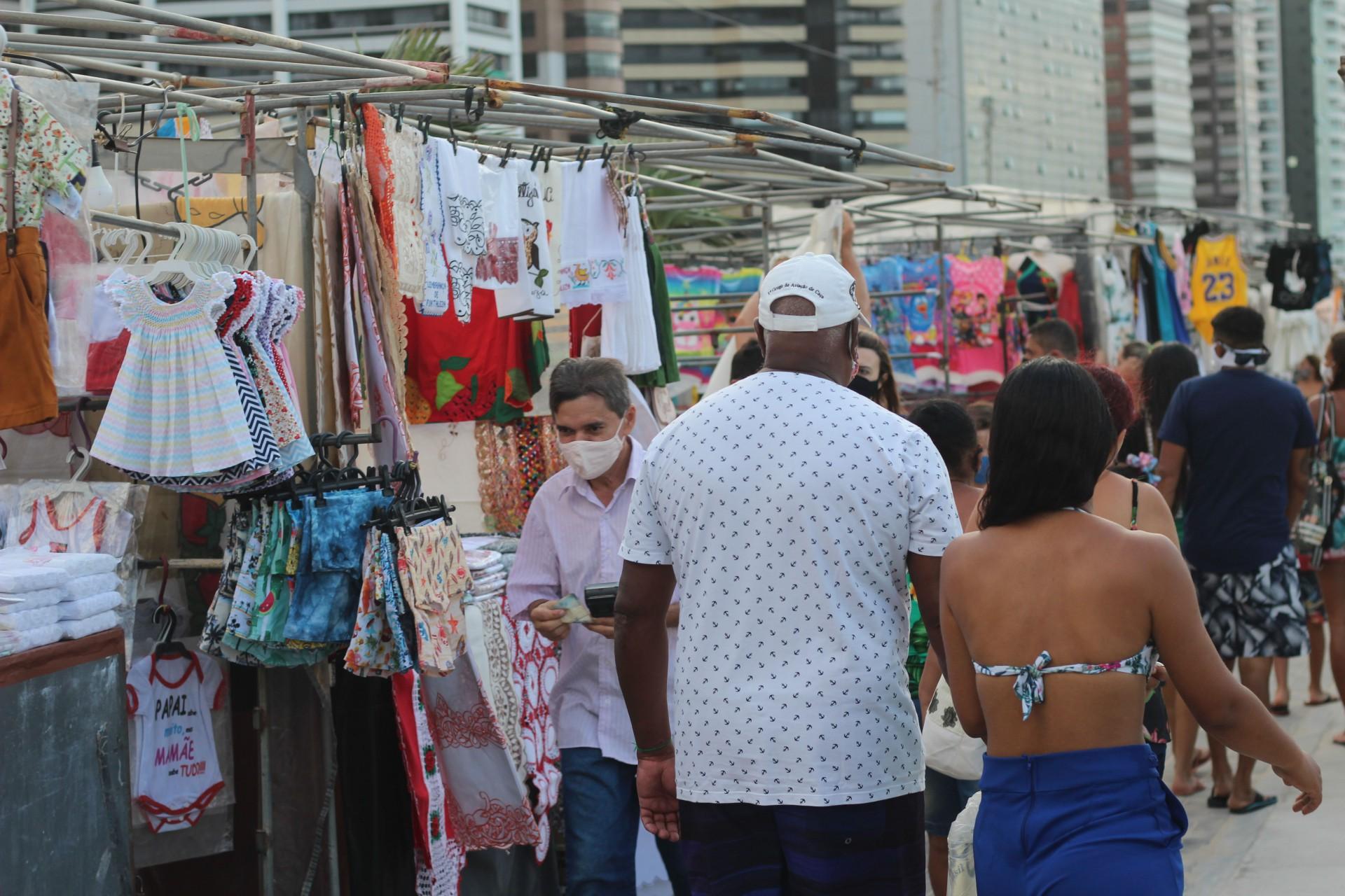Movimentação na orla da  Beira Mar no último sábado, 27