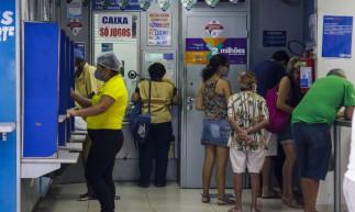 FORTALEZA, CE, BRASIL, 29.12.2020: Lotéricas - Mega Sena da Virada tem o valor de estimado de 300 milhões (Foto: Thais Mesquita/OPOVO)