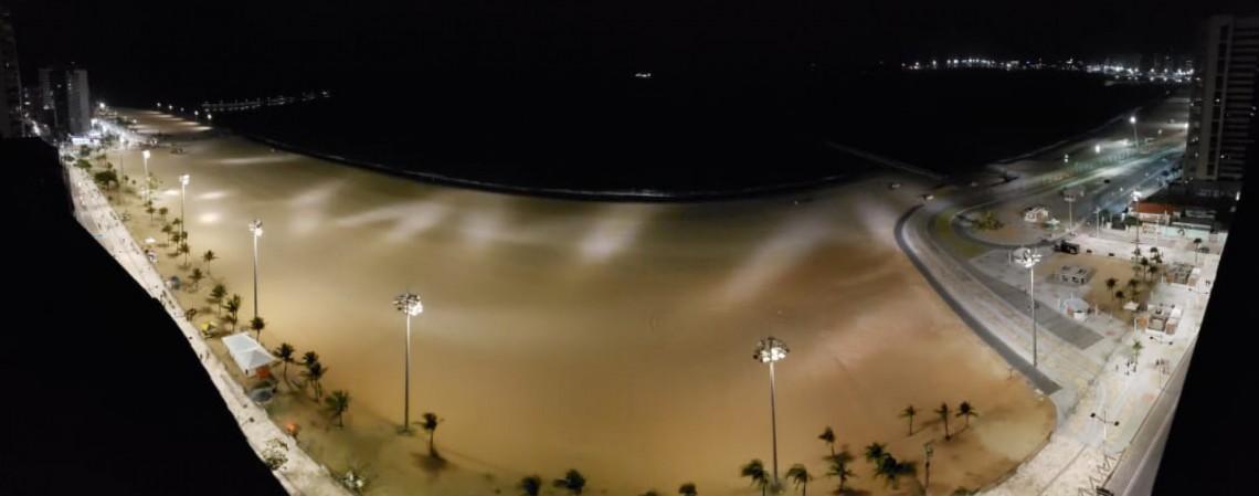 Réveillon diferente no Aterro da Praia de Iracema, com pouca movimentação devido à pandemia de Covid-19