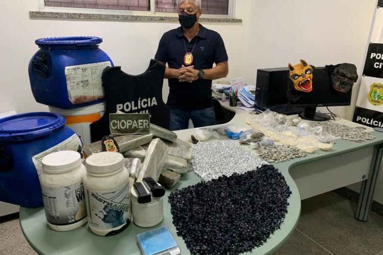 Cerca de 18 kg de drogas foram apreendidos. (Foto: Gabriel Borges)
