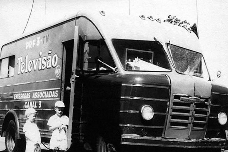 Caminhão de transmissão da Tv Tupi (Foto: Fundação/ Assis Chateaubriand/Direitos reservados)