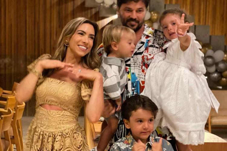 Muitos famosos, como Patrícia Abravanel, resolveram passar a festa de Réveillon em casa, com a família (Foto: Reprodução Instagram)