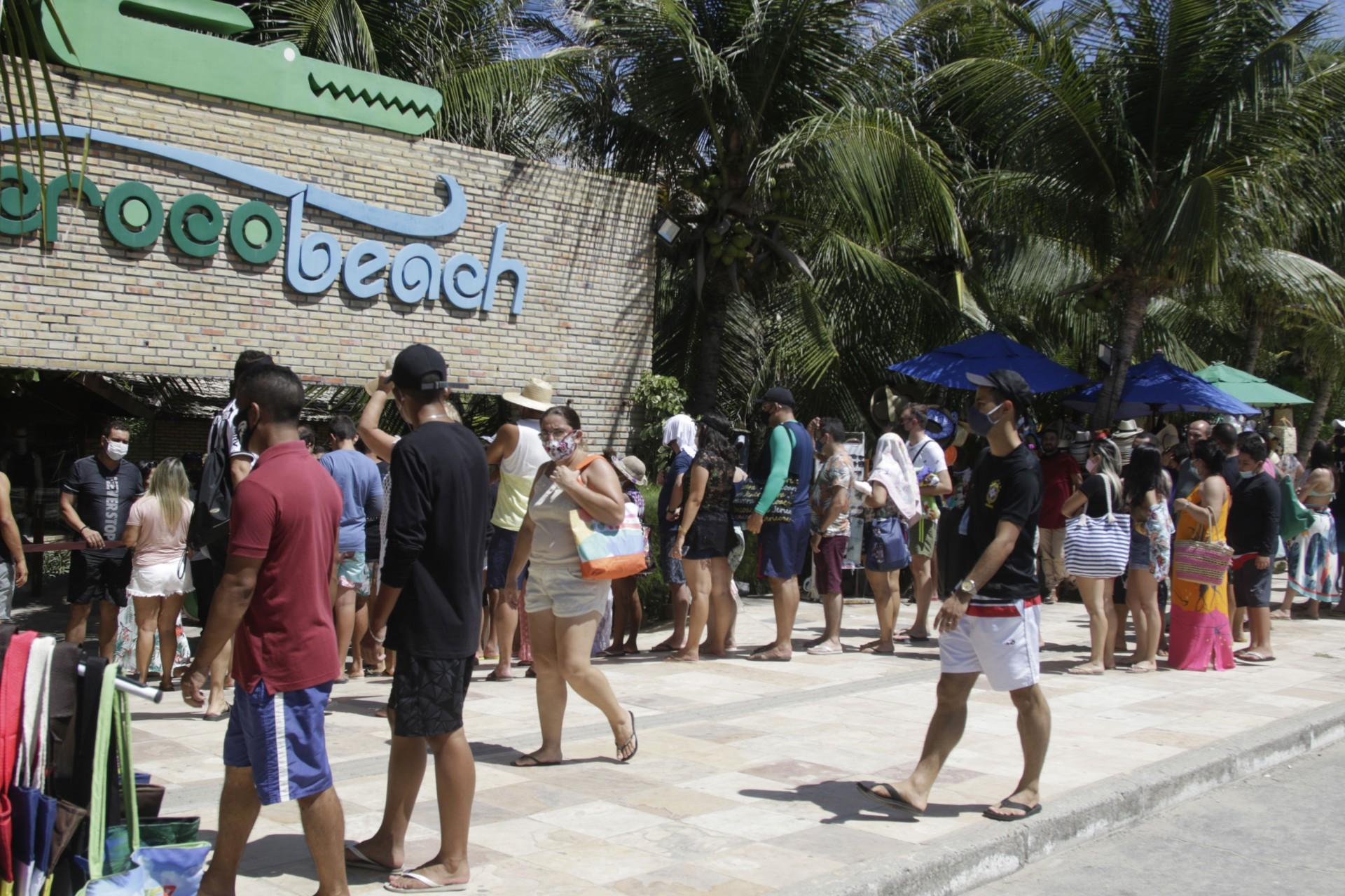(Foto: Thais Mesquita)FORTALEZA, CE, BRASIL, 01.01.2021: Movimentacao nas barracas da praia do futuro, no primeiro dia do ano foi intenso. (Foto: Thais Mesquita/O POVO)