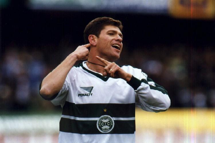Ídolo do Coritiba no final dos anos 1990, Cleber Arado chegou a atuar no Ceará nas temporadas de 2002 e 2004 (Foto: Coritiba Foot Ball Club / Divulgação)