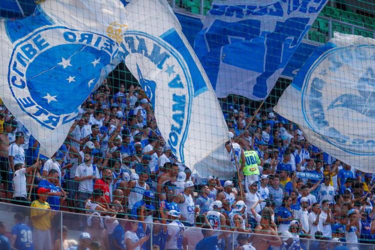 Homenagens e doações marcam o centenário do Cruzeiro (Foto: Vinnicius Silva)