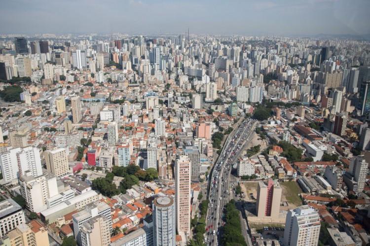 Mais brasileiros se voltam para os imóveis como opção de investimento (Foto: Diogo Moreira/MáquinaCW)