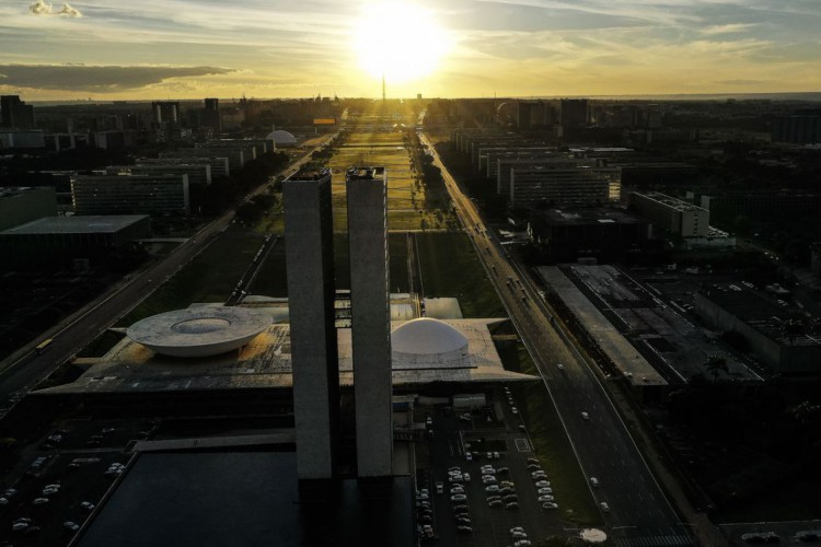 A Esplanada dos Ministérios está localizada no Eixo Monumental, via que corta o Plano Piloto no sentido leste-oeste (Foto: Marcello Casal JrAgência Brasil)