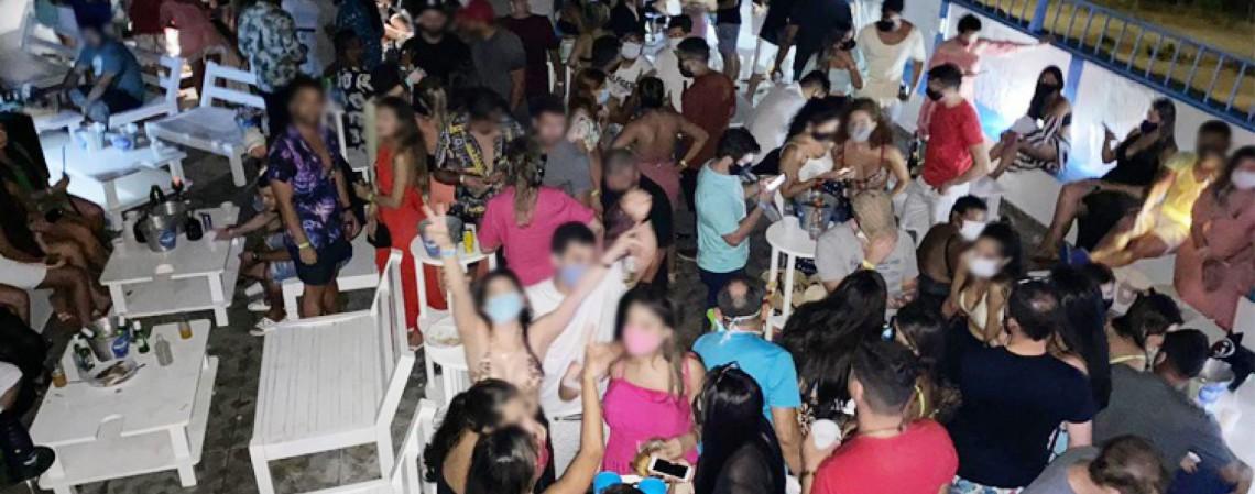 Um dos estabelecimentos, na Praia do Futuro, já havia sido interditado e funcionou clandestinamente neste último fim de semana (Foto: Reprodução/Sesa)